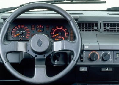 renault_5_gt_turbo_3